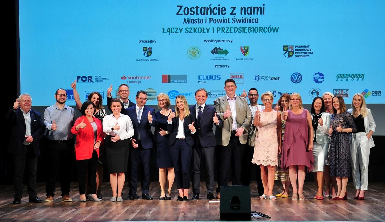 """III edycja programu """"Zostańcie z nami! – Miasto i Powiat Świdnica"""", 5.06 (49)"""